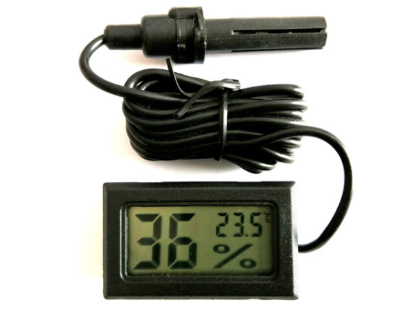 2 in 1 Thermometer & Hygrometer, measures Temperature and Humidity - with external probe.